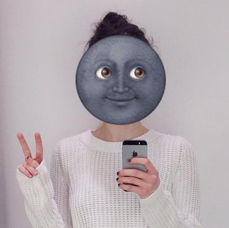 Zoe Burnett selfie