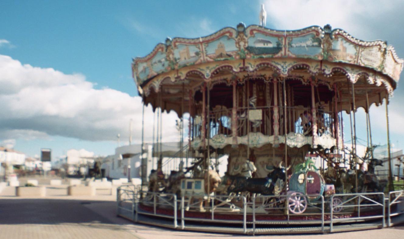 Saintes Maries de la Mer / Carrousel • Sardina Lomography x Kodak Portra 400