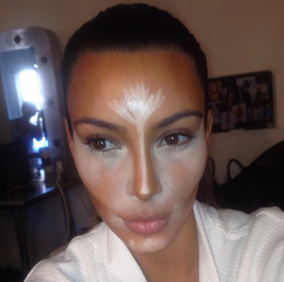 kim-kardashian-lance-la-tendance-du-contouring