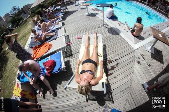 Deep Blu Pool Radisson Marseille 3