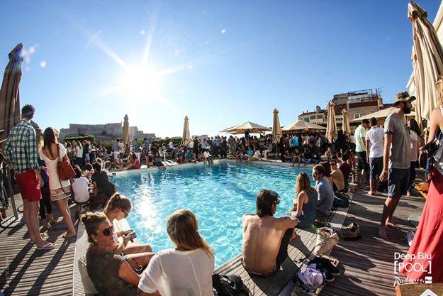 Deep Blu Pool Radisson Marseille